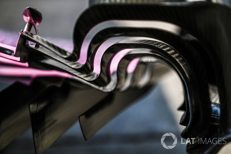 Racing Point Force India VJM11 : aileron avant