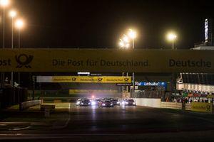 Edoardo Mortara, Mercedes-AMG Team HWA, Mercedes-AMG C63 DTM aan de leiding bij de start van de race