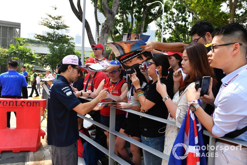 A szingapúri hétvége rajongói