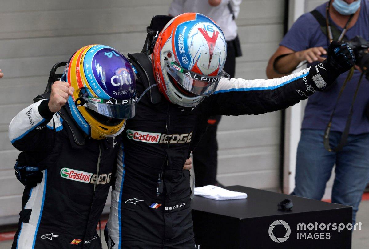 Esteban Ocon, Alpine F1, 1st position, and Fernando Alonso, Alpine F1, celebrate in Parc Ferme