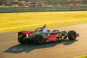 McLaren MP4-23 Mercedes demonstration laps