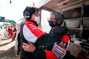 Pascal Vasselon, directeur technique, et Hisatake Murata, président du Toyota Gazoo Racing