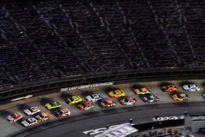Brad Keselowski, Team Penske, Ford Mustang Discount Tire and Kyle Larson, Hendrick Motorsports, Chevrolet Camaro Valvoline