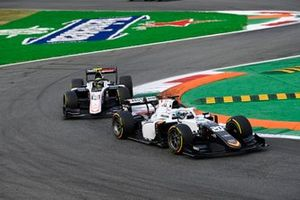 Matteo Nannini, Campos Racing, leidt voor Theo Pourchaire, ART Grand Prix