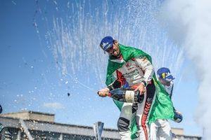 Lucas Di Grassi, Audi Sport ABT Schaeffler, primo classificato, sul podio