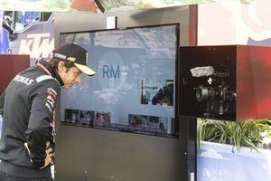 Valentino Rossi, Petronas Yamaha SRT, Green carpet