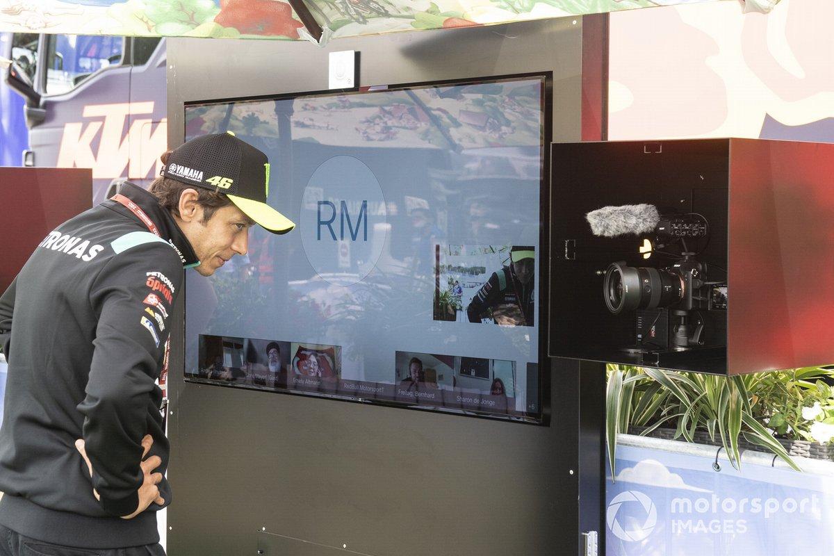 Valentino Rossi, Petronas Yamaha SRT, alfombra verde