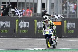 Romano Fenati, Max Racing Team se lleva la bandera a cuadros