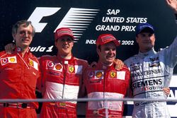 Podium: Paolo Martinelli, Ferrari Engine Director, second place Michael Schumacher, Ferrari, Race wi