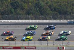 Denny Hamlin, Joe Gibbs Racing Toyota and Matt DiBenedetto, GO FAS Racing Ford