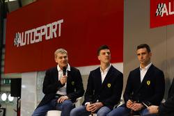Ferrari WEC kampioenen James Calado en Alessandro Pier Guidi met Henry Hope-Frost