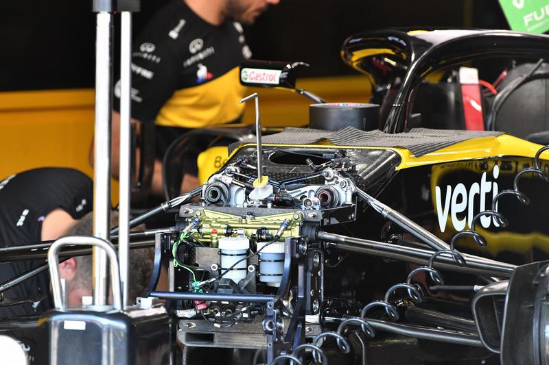 Renault Sport F1 Team R.S. 18, első felfüggesztés, részlet