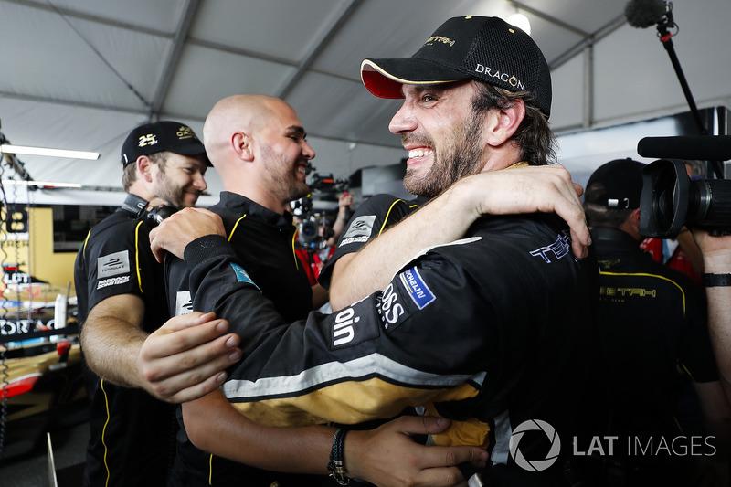 Jean-Eric Vergne, Techeetah, fête son titre de Champion dans le garage de l'équipe