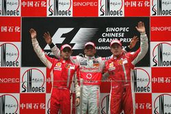 Podium: tweede Felipe Massa, Ferrari, winnaar Lewis Hamilton, McLaren, derde Kimi Raikkonen, Ferrari