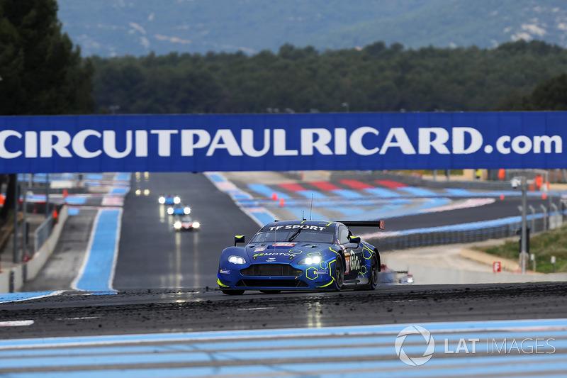 #90 TF Sport Aston Martin Vantage: Salih Yoluc, Euan Alers-Hankey, Charles Eastwood