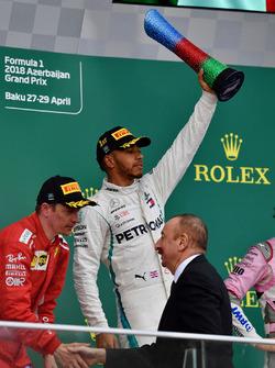 Podium: race winner Lewis Hamilton, Mercedes-AMG F1, second place Kimi Raikkonen, Ferrari