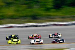 Jimmie Johnson, Hendrick Motorsports, Chevrolet Camaro Lowe's for Pros, Ryan Blaney, Team Penske, Ford Fusion Menards/Richmond