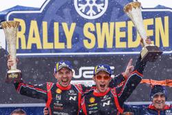 Победители Тьерри Невилль и Николя Жильсуль, Hyundai i20 Coupe WRC, Hyundai Motorsport