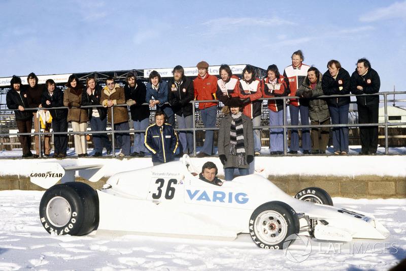 Em 1978, a Varig, extinta companhia aérea fechou uma parceria de transporte com a Arrows na F1.
