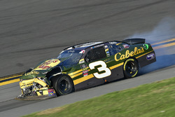 Austin Dillon, Richard Childress Racing, Bass Pro Shops / Cabela's Chevrolet Camaro shows damage after a crash