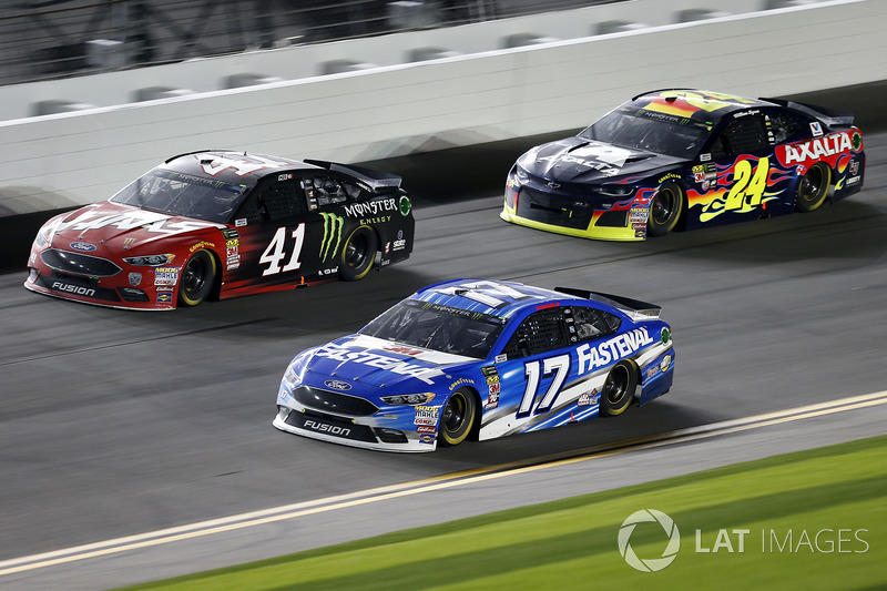 Ricky Stenhouse Jr., Roush Fenway Racing Ford Fusion, Kurt Busch, Stewart-Haas Racing Ford Fusion, William Byron, Hendrick Motorsports Chevrolet Camaro