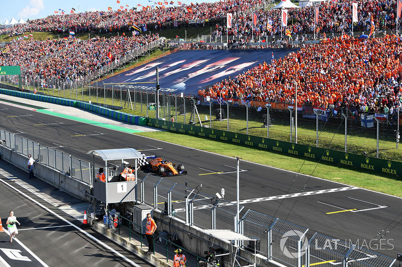 Fernando Alonso – bandeira quadriculada