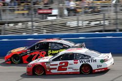 Brad Keselowski, Team Penske, Ford Fusion Wurth Martin Truex Jr., Furniture Row Racing, Toyota Camry