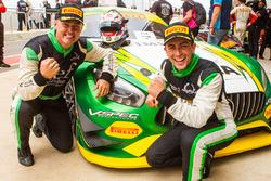 Yarış galibi #8 Mercedes-AMG GT3: Max Twigg, Tony D'Alberto