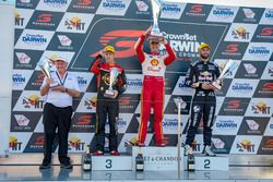 Podyum: Yarış galibi Scott McLaughlin, DJR Team Penske Ford, 2. David Reynolds, Erebus Motorsport Holden, 3. Shane van Gisbergen, Triple Eight Race Engineering Holden