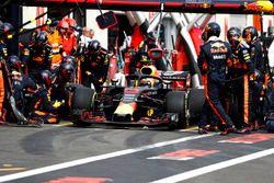 Daniel Ricciardo, Red Bull Racing RB14, au stand