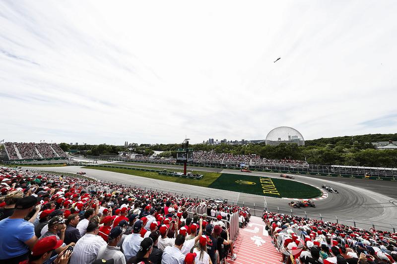 Sebastian Vettel, Ferrari SF71H, leads Valtteri Bottas, Mercedes AMG F1 W09, Max Verstappen, Red Bul