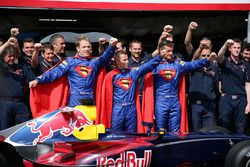 Christian Klien, Red Bull Racing, David Coulthard, Red Bull Racing