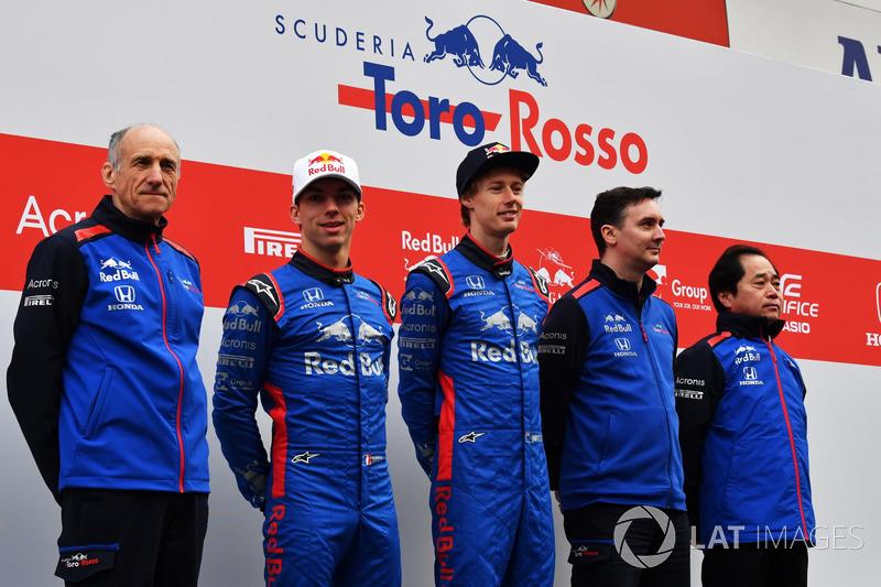 Руководитель Scuderia Toro Rosso Франц Тост, гонщики Пьер Гасли и Брендон Хартли, технический директор команды Джеймс Ки
