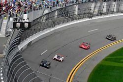 #10 Wayne Taylor Racing Cadillac DPi, P: Renger van der Zande, Jordan Taylor, Ryan Hunter-Reay, #7 A