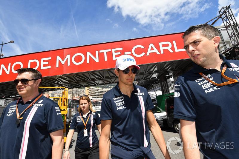Esteban Ocon, Force India F1 lors de la reconnaissance de piste