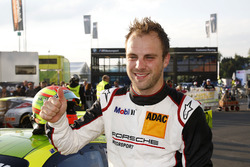 Pole-position voor #911 Manthey Racing Porsche 911 GT3 R: Laurens Vanthoor
