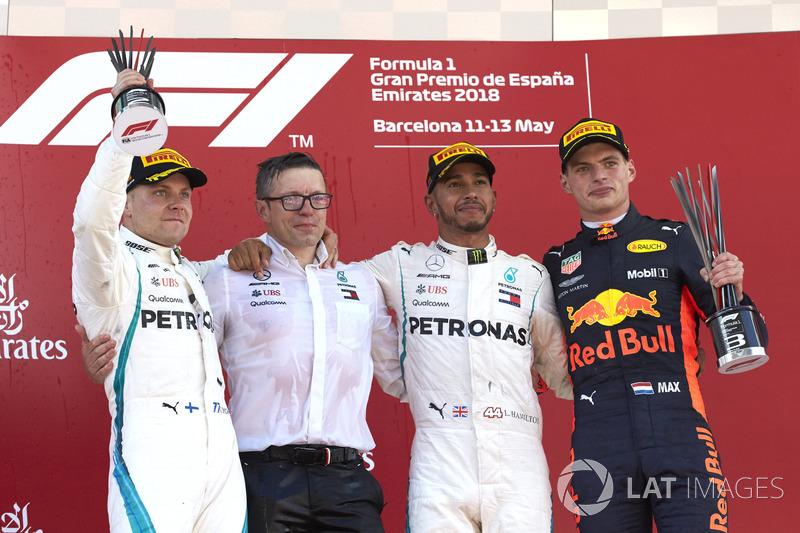 Bottas garantiu a dobradinha da Mercedes, com Verstappen em terceiro.