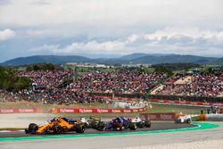 Stoffel Vandoorne, McLaren MCL33, Esteban Ocon, Force India VJM11, Pierre Gasly, Toro Rosso STR13