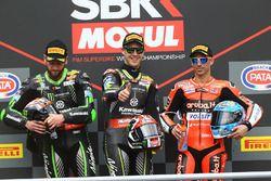 Podium: winnaar Jonathan Rea, Kawasaki Racing, tweede Tom Sykes, Kawasaki Racing, derde Marco Melandri, Aruba.it Racing-Ducati SBK Team