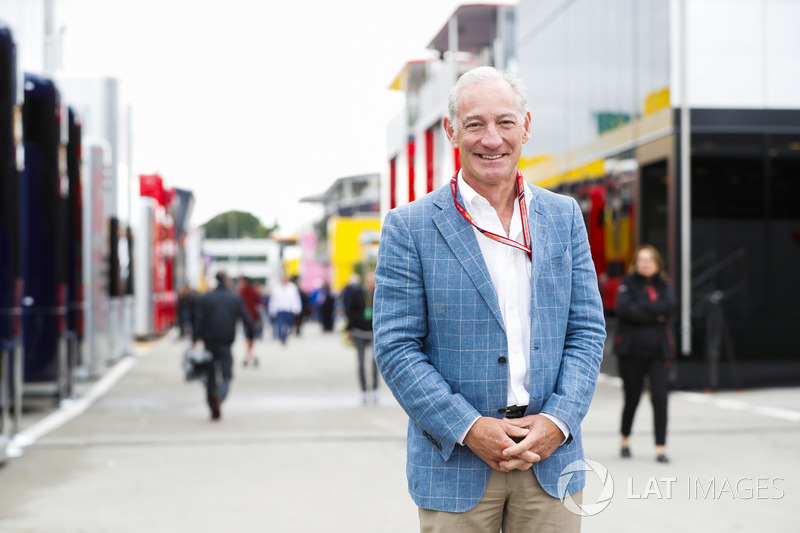 Greg Maffei, Director Ejecutivo, Liberty Media, en el paddock
