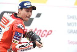 Подиум: обладатель второго места Хорхе Лоренсо, Ducati Team