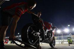 La moto di Lorenzo Savadori, Milwaukee Aprilia