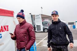 Даниил Квят, Red Bull Racing, и тренер Пюру Салмела