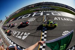 Start: Matt Crafton, ThorSport Racing Toyota leads