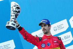 季军领奖台:卢卡斯·迪格拉西