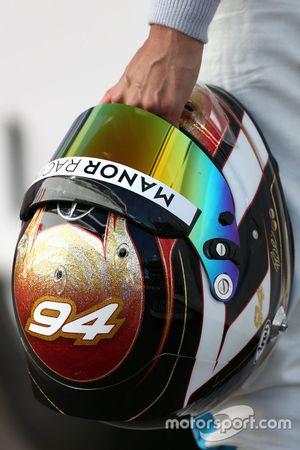 Helm von Pascal Wehrlein, Manor Racing