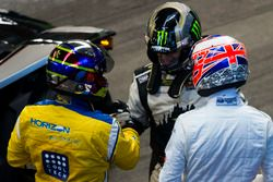 Juan Pablo Montoya, talks with Petter Solberg and Jenson Button,