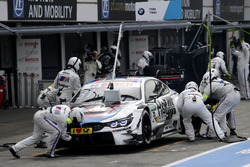 Pit stop, Tom Blomqvist, BMW Team RBM, BMW M4 DTM