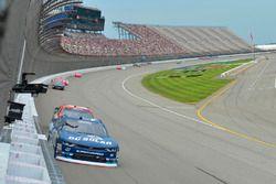 Бреннан Пул, Chip Ganassi Racing Chevrolet и Мэтт Тиффт, Joe Gibbs Racing Toyota