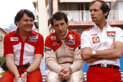 John Watson, McLaren Ford, with team boss Ron Dennis and chief designer John Barnard
